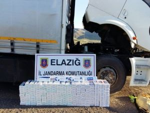 Kamyonun Tavanından 3 Bin Paket Kaçak Sigara Çıktı
