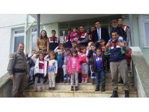 Miniklerin Jandarma Ziyareti