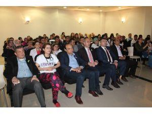Tosya'da Doktorlar Ve Öğrenciler Kansere Dikkat Çekti