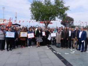 Bir Yanda AK Kadınlar, Diğer Yanda CHP'li Kadınlar