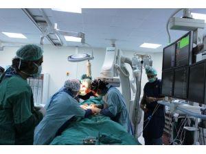 Çanakkale'de Kapalı Yöntemle Aort Ameliyatı Yapıldı