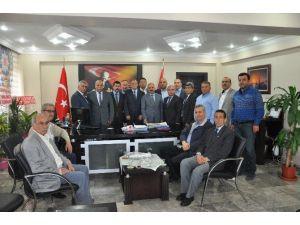 Başkan Dinçer, Tarsus Emniyet Müdürü Çakan'ı Ziyaret Etti