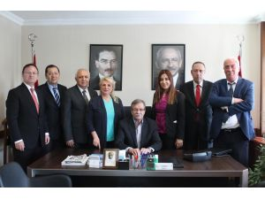 CHP Meclis Grubu'nda Gülsever yeniden başkan seçildi
