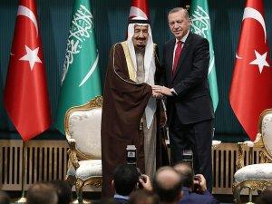 Cumhurbaşkanı Erdoğan, Kral Selman'a Devlet Nişanı takdim etti