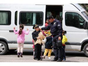 Minik Öğrenciler, Emniyet Müdürlüğünü Ziyaret Etti