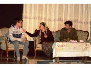 4 Bin Öğrenciye Uyuşturucunun Zararları Tiyatroyla Anlatıldı