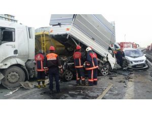 İstanbul TEM Otoyolu Kaza Nedeniyle Trafiğe Kapandı