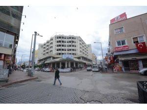 Osmaniye Belediyesi eski binasını 19,8 milyon liraya satıyor