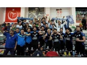 Adana Toros Byz Spor 1. Lig'e Yükseldi