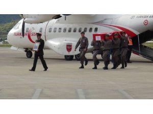 Şehit Uzman Çavuş, Türk Yıldızlarına Ait Uçakla Getirildi