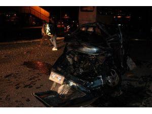Sivas'ta Yolcu Otobüsü İle Otomobil Çarpıştı: 4 Yaralı