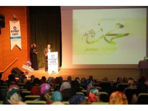 Üniversite İdealist Öğrenciler Kulübü Kutlu Doğum Programı Düzenledi