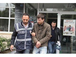 Otelin Plajından Şezlong Hırsızlığına Gözaltı