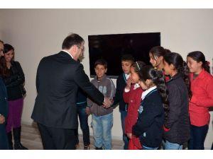 Çatak'ta 34 Öğrenci Okula Kazandırıldı