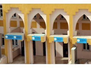 Bir Binada 5 Okul