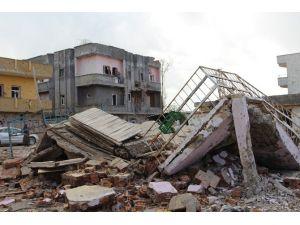İdil'de Evleri Zarar Gören Vatandaşlar Camilerde Kalıyor