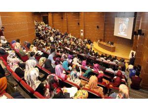 GAÜN'de İslam Ve Gençlik Konferansı