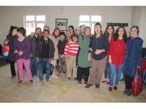 Doktor Adayları Zihinsel Engelli Çocuklarla Bir Araya Geldi