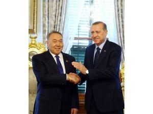 Cumhurbaşkanı Erdoğan, Kazakistan Cumhurbaşkanı Nazarbayev İle Bir Araya Geldi
