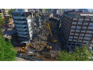 Tramvay Hattındaki Binaların Yıkımı Sürüyor