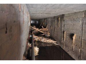 Manavgat'ta Menfezlerin İçinin Kalaslarla Kapatıldığı İddiası