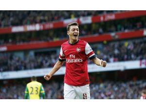 Mesut Özil İngiltere'de Yılın Oyuncusu Adayları Arasında