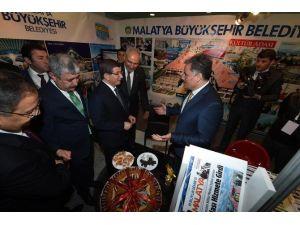 """""""Gençlik Ve Belediye"""" Konulu Yarışmada, Malatya Büyükşehir Belediyesine 3.'lük Ödülü"""