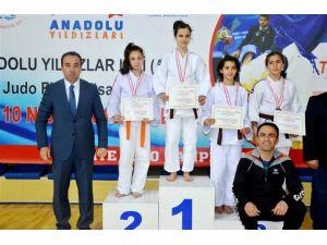 """Trabzon'a """"61"""" Puanla Gelen Şampiyonluk"""