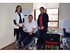 Milli Eğitim Personeli Kan Bağışında Bulundu