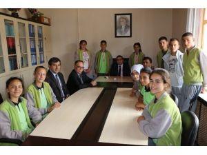 Başarılı Sporcular Kaymakam Karaaslan'ı Ziyaret Ettiler