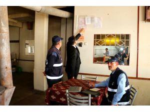 Zabıta ekipleri kahvehaneleri mercek altına aldı