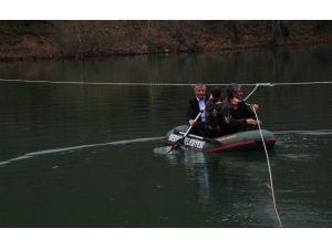Baraj Nedeniyle Mahsur Kalan Aileye Belediyeden Bot