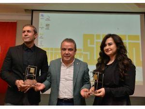 Konyaaltı Belediyesi'ne Hizmet Binasına Mimarlık Ödülü