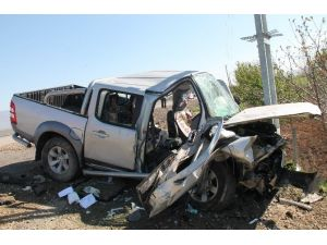 Direğe Çarpan Araçta 1 Kişi Öldü