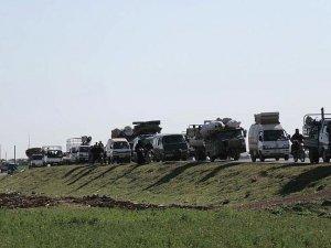 Çatışmalardan kaçan Suriyeliler Türkiye sınırına geliyor