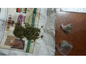 Uyuşturucu Kullanırken Yakalandılar