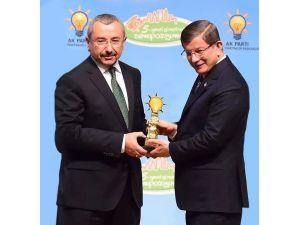 Sancaktepe Belediyesi'ne Başbakan Davutoğlu'ndan Ödül
