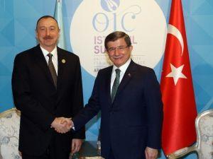 Başbakan Davutoğlu Azerbaycan Cumhurbaşkanı Aliyev İle Görüştü