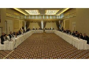Diyarbakır'da Yuvarlak Masa Toplantısı