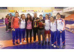 MEÜ Kadın Güreş Takımı Türkiye İkincisi Oldu