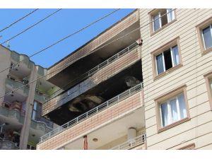Diyarbakır'da Evde Çıkan Yangında 2 Kişi Zehirlendi