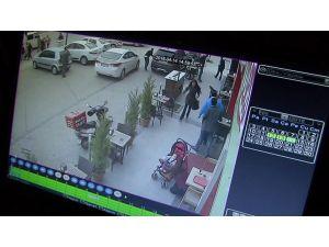 Balkondan kurtulan kadın sokakta vuruldu
