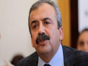 Dokunulmazlık Tepkisi! HDP'li Önder Kılıçdaroğlu'nu Topa Tuttu