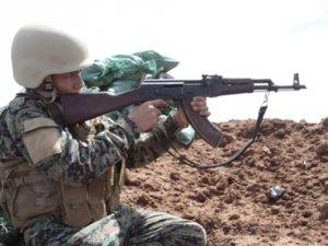 IŞİD ile Savaşmak İçin Okulunu Bırakan Küçük Ali Moral Oluyor
