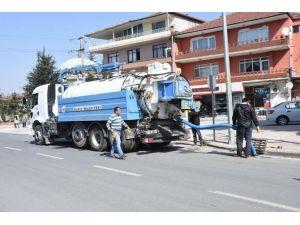 Su Ve Kanalizasyon Ekipleri Mazgalları Temizledi