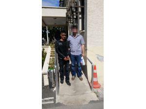 Tarsus'ta uyuşturucu satan iki kişi yakalandı