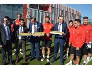 Özel Ümit'ten Eskişehirspor'a Destek Ziyareti