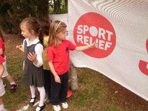 Minik Çocuklar Sığınmacılar İçin Koştu