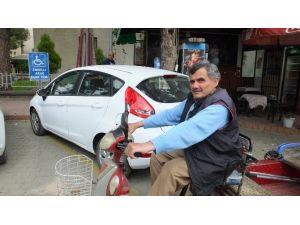 Burhaniye'de Dikkatsiz Sürücülere Engelli Tepkisi