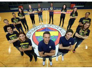 Fenerbahçe'de potanın kraliçeleri saat 20.00'yi bekliyor